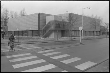 25811-7-23 Sporthal Asterlo. Zuidwijk-bewoners mogen hun mening geven over een kunstwerk rond de sporthal. Op 18 april ...