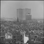 25853-4-3 De Europointgebouwen bij het Marconiplein. Op de voorgrond de wijk Bospolder-Tussendijken en de ...