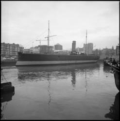 25991-4-8 Museumschip De Buffel in de Leuvehaven