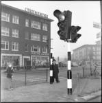 270 Nieuwe voetgangerslichten op het kruispunt Pleinweg (links) - Wolphaertsbocht (rechts).
