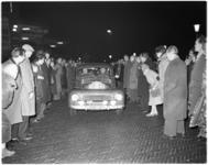 3026-2 Start Rally van Monte Carlo in Den Haag. Vermoedelijk een Nederlands duo Huisman-Polder.