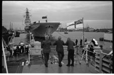 304485 Canadees vlootbezoek met het vliegdekschip Bonaventure in Rotterdam, ter hoogte van de Parkkade.