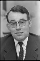 304570 Advocaat en procureur H.V. (Huib) van Walsum, zoon van de Rotterdamse burgemeester. Was o.a. in 1965 ...