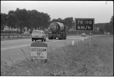 305026-2 Verkeersbord voor de adviessnelheid langs Rijksweg 15 nabij Hendrik-Ido-Ambacht.