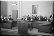 305193-29 Johannes George Levin Reuder, rechter en president van de Rotterdamse rechtbank, temidden van zijn ...