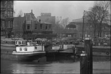 305500-22 Sloop van vooroorlogse panden naast het Witte Huis hoek Geldersekade / Wijnstraat.