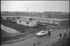 305515-16 Buurtcentrum Landzicht aan de Schipholstraat vlak voor de opening.