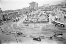 305557-37 Het Stationsplein vanaf het Groothandelsgebouw waar na de bouw van het metrostation Rotterdam Centraal ...