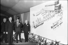 305681-20 Prins Bernhard opent het nieuwe complex van de Graan Elevator Maatschappij (GEM) en de Graan Silo ...