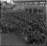 315 Passagiers van de Sibajak in de Rivierahal.