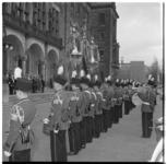 3165-1 Koninklijke Harmonie De Ster van Maastricht voor stadhuis Coolsingel.
