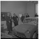 3242-1 Prins Bernhard en commissaris van de Koningin, mr. J. Klaasesz bij een Daf personenauto tijdens de opening van ...
