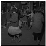 3251-2 Bevrijdingsfeesten gevierd in Pendrecht.