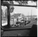 3264-2 Passage van de Veerhaven, gezien vanuit een RET-bus tijdens een zgn. Wederopbouwrit