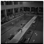 3267-3 Show badmode in Kolpabad Vlaardingen.