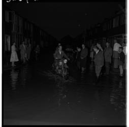 3269-1 Wateroverlast als gevolg van noodweer in Hoogvliet.