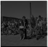 3287 Wethouder A.J. van der Vlerk opent op Vader Klarendag een speeltuin in Overschie-Kleinpolder-Oost.