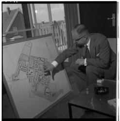 3311-1 Burgemeester G.W. baron van Dedem bij de plattegrond van Heerjansdam.