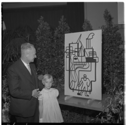 3362 Ir. L.E. Wisse en Vera Bedenroth bij het zojuist onthulde draadplastiek van Kees Timmer.