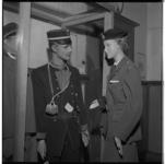 3414 De kledingcollectie van het Nederlands Belastingmuseum is verrijkt met - voor hen- nieuwe douane-uniformen.