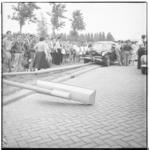 3438 Een personenauto rijdt op de Stadhoudersweg een lichtmast omver.