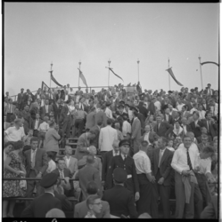 3443-1 Politie-optreden op tribune bij de voetbalwedstrijd Sparta - Arsenal.