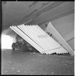 3457 Klemgereden vrachtauto met houten spanten in Weenatunnel.