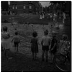 3464 Zwemplezier voor de jeugd in de Bergsingel.