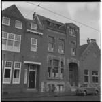 3474-4 Exterieur jongenstehuis aan de Honingerdijk 63.