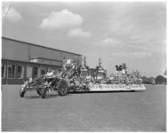 3477-1 De wagen van de M-brigade voor het 31e Bloemencorso.