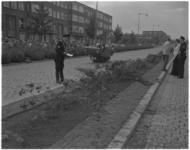 3510-2 De politie doet onderzoek naar een verkeersongeval met Belgische personenauto op de Statenweg.