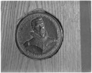 3513-1 Voorkant munt met afbeelding van ontdekkingsreiziger Olivier van Noort.