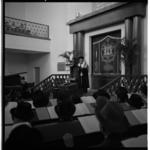 3545 Toespraak van L. Vorst tijdens zijn installatie als nieuwe opperrabijn in synagoge Bentincklaan 23.