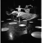 3569-3 Spaanse dans bij opening café/restaurant annex familiedancing-cabaret Bristol.