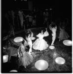 3569-5 Spaanse dans bij opening café/restaurant annex familiedancing-cabaret Bristol.