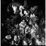 3569-7 Opening van de dancing Bristol aan het Hofplein, hoek Coolsingel.