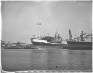 3583 Tewaterlating passagiers- en vrachtschip Ceres bij Scheepswerven C. van der Giessen & Zonen in Krimpen aan de IJssel.