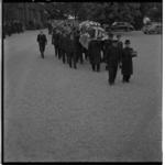 3587 Begrafenis van de op 13 september in de remise aan de Nieuwe Binnenweg verongelukte tramconducteur A.Th. van ...