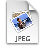 3613 Drukte bij het Feyenoord Stadion, midden-links de contouren van scheepswerf Piet Smit en de Gasfabriek aan het Mallegat.