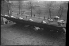 3719-3 Een wand van de Lutusca-bioscoop aan het Kruisplein wordt neergehaald.