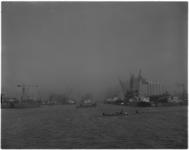 376 Merwehaven gezien vanaf de Nieuwe Maas. Geheel links: de Grensflat aan de Rotterdamsedijk (Schiedam).