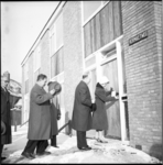 3840 1ste sleutel overhandigd aan het echtpaar Berkhout voor nieuwe woning aan de Vermaetweg 12 in Pernis.