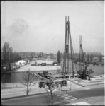4095 Twee heistellingen bij de Jaffabrug die een verbinding vormt tussen de Boezemlaan (in aanleg) en de Kralingse ...