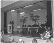 412-1 Dr. J.H.Landwehr, voorzitter van de Vereniging voor Middelbaar-, Handels- en Voorbereid Hoger Onderwijs op ...