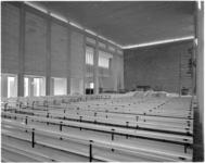 4184-2 Interieur kerkzaal van de Sint Dominicuskerk aan het Hang.