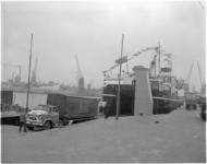 4243 De veerboot Bardic Ferry van The Transport Ferry Service kan 80 á 85 vrachtauto's vervoeren op de lijn ...