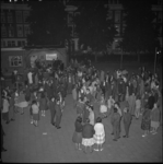4355-1 Feestelijke jongerenbijeenkomst bij de Mauritsweg in het kader van de expositie 'Ruimte voor de Jeugd'.