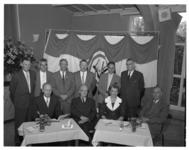 4511 Groepsfoto raad van bestuur van het recreatiepark Kruininger Gors.