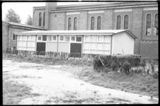 4518 Exterieur van het rooms-katholieke jeugdgebouw aan de Burgemeester Baumannlaan.