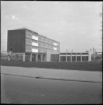 4532 Exterieur van Keucheniusschool nabij Hofpleinspoorlijn.